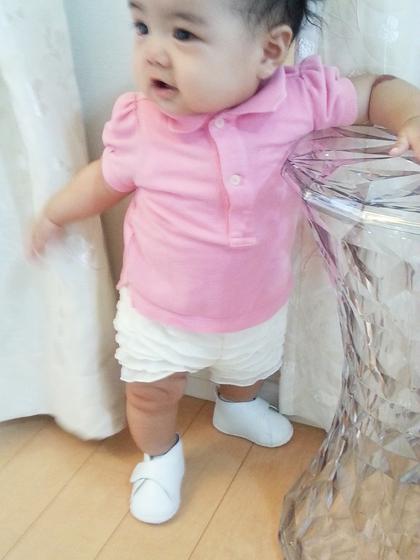 人気のファーストシューズを履いた赤ちゃん