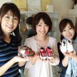 高知さんさんテレビの野村舞さんと寺尾麻希さん