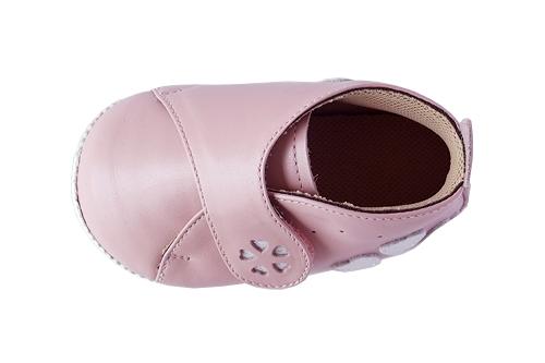 ベビー靴のつま先チェック