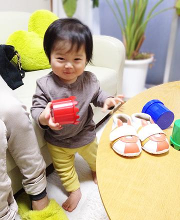1歳のお誕生日間近の赤ちゃん