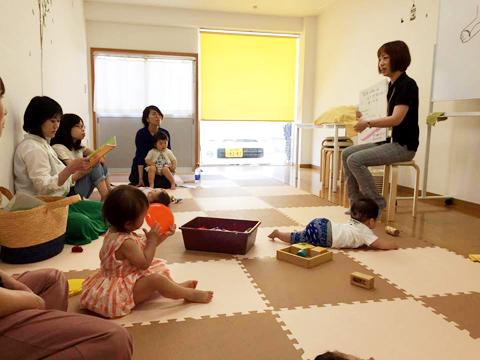 ベビーサイン教室で足育講座